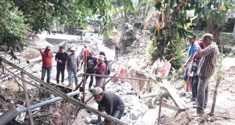 Monitoring Dua Daerah Irigasi Di Kecamatan Hulu Gurung